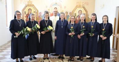 У Надвірні відбулися реколекції для сестер, складання тимчасових обітів та святкування ювілеїв богопосвяченого життя